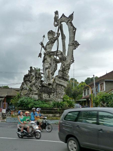 A giant statue in Peliatan, Bali.