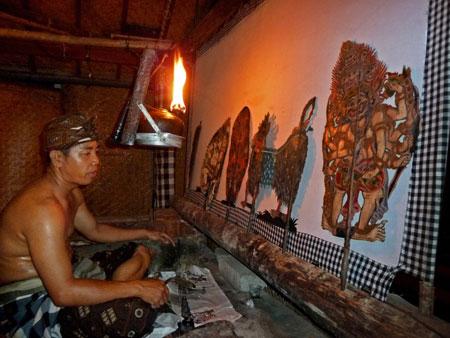 The dalang, or puppet master of Wayang Kulit at Kertha Accommodation in Ubud, Bali.