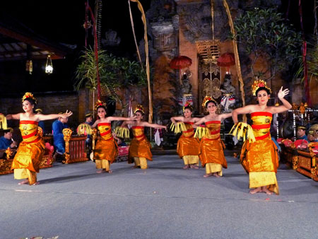 The Pendet dance at Puri Agung Peliatan Palace in Peliatan, Bali.