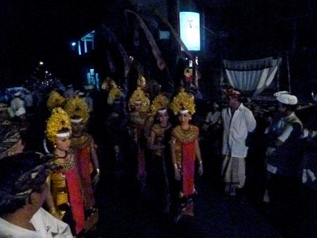 Sisya dancers in the staging area at Pura Dalem Puri in Peliatan, Bali.