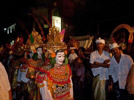 Telek dancers in the staging area at Pura Dalem Puri in Peliatan, Bali.