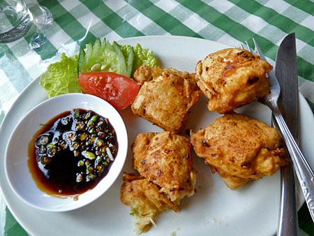 Tofu spring rolls for lunch in Ubud, Bali.