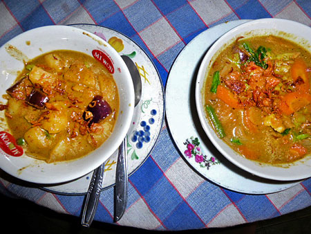 Potato curry and vegetable curry at Warung Baru in Solo, Java.