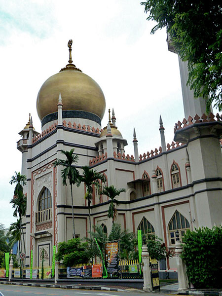 The Sultan Mosque in Kampung Glam, Singapore.
