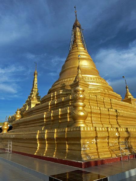Sandamuni Pagoda in Mandalay, Myanmar.