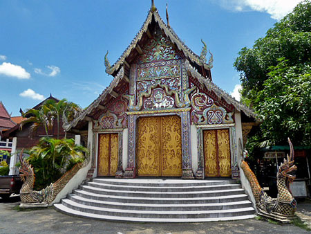 Another one of the insanely nice-looking temples at Wat Kuan Kama in Chiang Mai, Thailand.