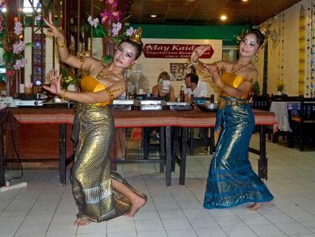 Traditional Thai dance at May Kaidee's in Banglamphu, Bangkok, Thailand.