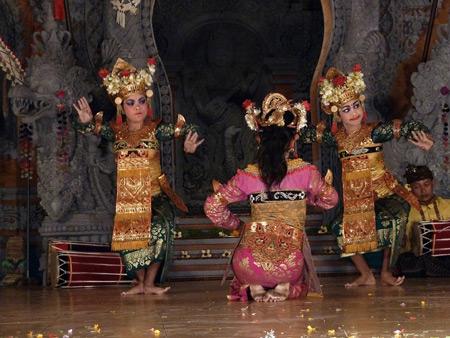 Gamelan Nritta Dewi performs the Legong Kraton dance at Bale Banjar Ubud Kelod in Ubud, Bali, Indonesia.