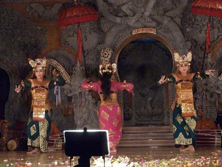 Sanggar Suwara Guni Kanti performs the Legong Lasem dance at Bale Banjar Ubud Kelod in Ubud, Bali, Indonesia.
