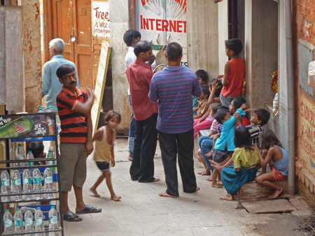 A small Hindu ceremony in a back lane near Alka Hotel in Varanasi, India.