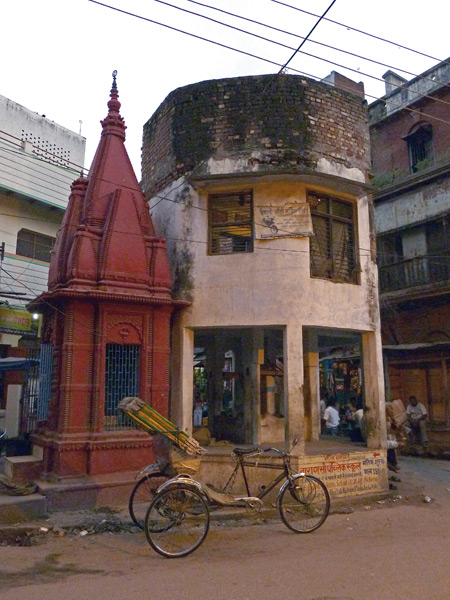 A picturesque scene in a back lane off Chowk Godowlia Road in Varanasi, India.