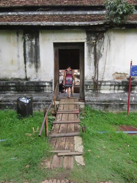A picturesque doorway at Wat Phutthai Sawan in Ayutthaya, Thailand.