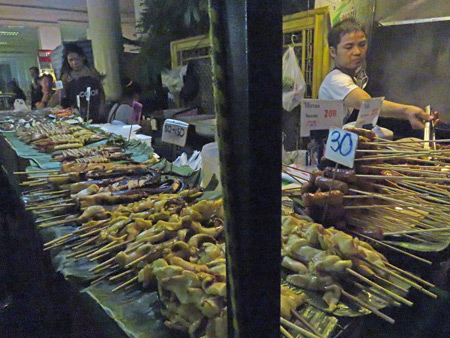 A food stall on Sukhumvit Soi 38 in Sukhumvit, Bangkok, Thailand.
