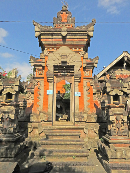 A family compound gate on Jalon Karna in Ubud, Bali, Indonesia.
