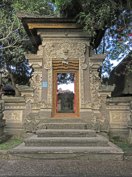 A family compound gate on Jalon Bisma in Ubud, Bali, Indonesia.