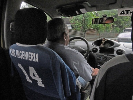 What is it with taxi cab drivers in Panama and their t-shirt seat covers?