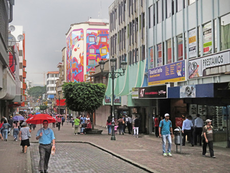 Central Avenue in San Jose, Costa Rica.