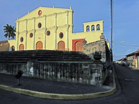 The facade of the Iglesia San Francisco in Granada, Nicaragua.
