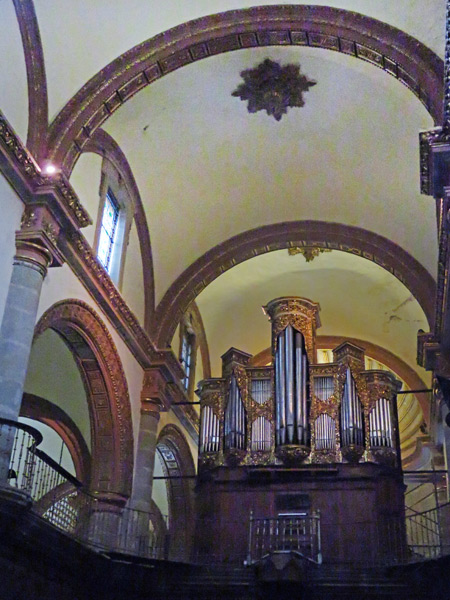 The Baroque pipe organ inside the Catedral de Nuestra Señora De La Asunción in Oaxaca City, Mexico.