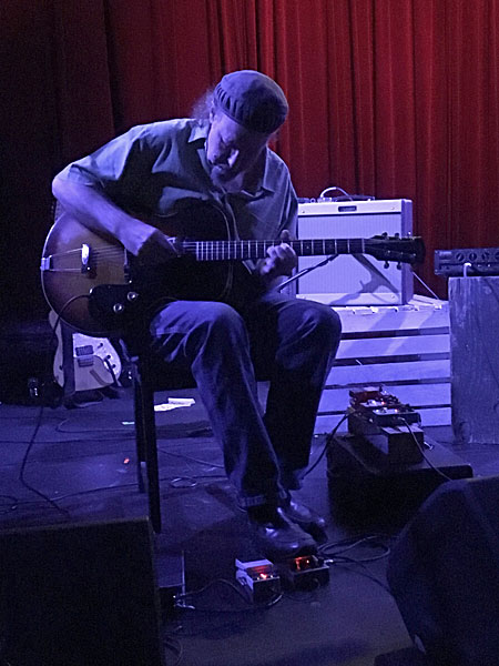 Sir Richard Bishop performs at the Bootleg Theater in Los Angeles, California on May 4, 2017.