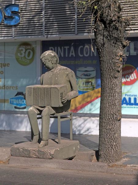The Squeezebox Man in Mendoza, Argentina.