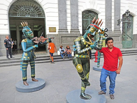 Sculptural photo ops in Lima, Peru.